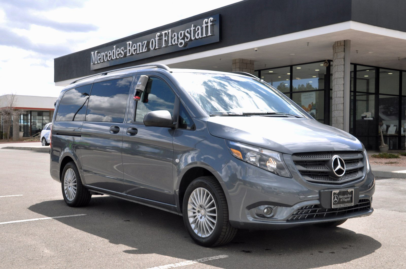 new 2017 mercedes benz metris passenger van passenger van in flagstaff sh242897 mercedes benz. Black Bedroom Furniture Sets. Home Design Ideas